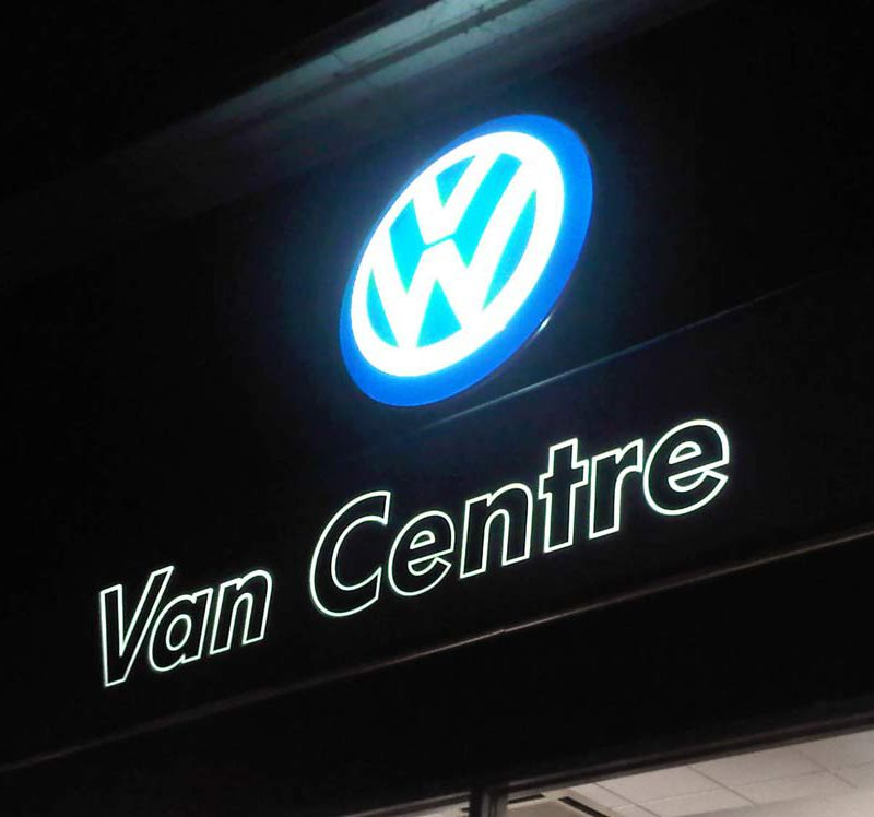 90 volkswagen vw car dealership external illuminated sign cambridge
